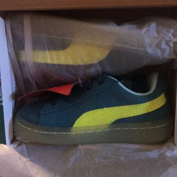 c687a18bf0cd Kids Puma Suede LFS Iced Inf Sneakers size 7C